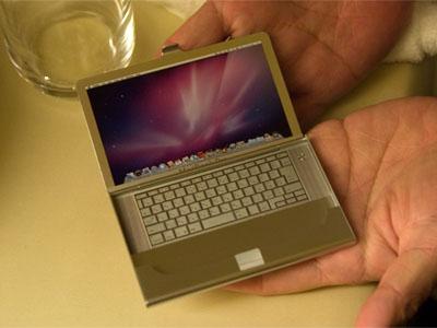 MacBookの名刺ケース
