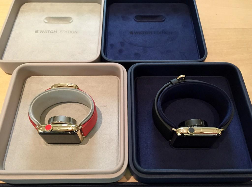 Apple Watch Edition/38mm 18Kイエローゴールドケースとブライトレッドモダンバックル(左) Apple Watch Edition/42mm 18Kイエローゴールドケースとブラッククラシックバックル(右)